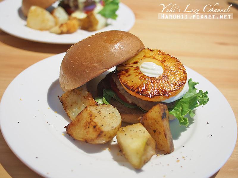 POND BURGER CAFE21