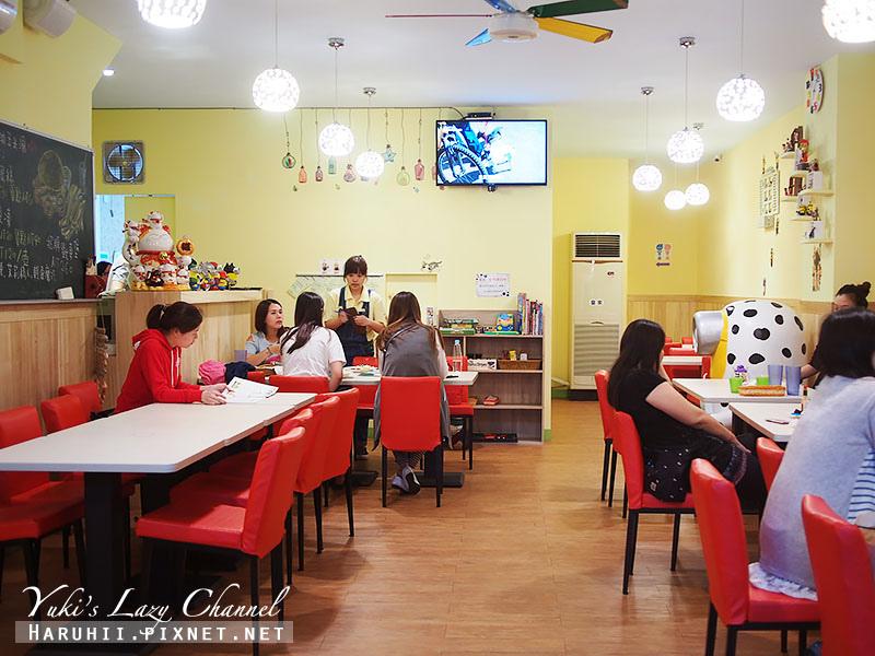 兵工廠美式漢堡小小兵餐廳15