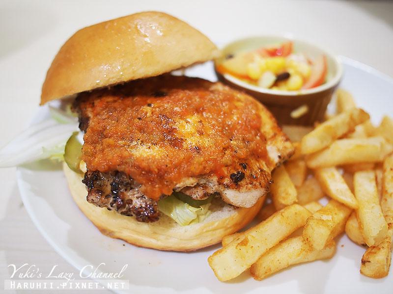 兵工廠美式漢堡小小兵餐廳28