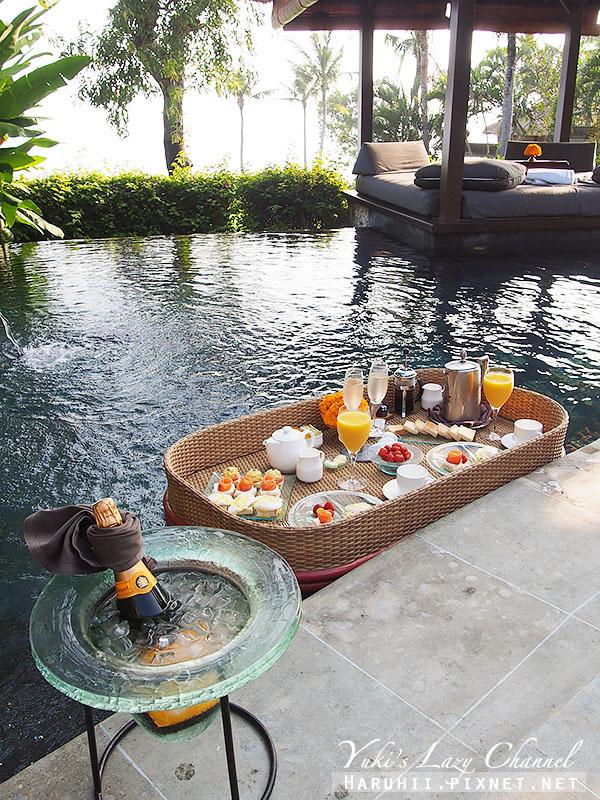 AYANA Resort VILLA漂浮早餐2