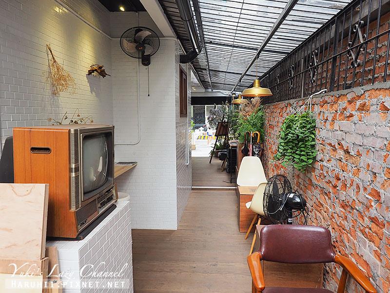 URANIUM Cafe21