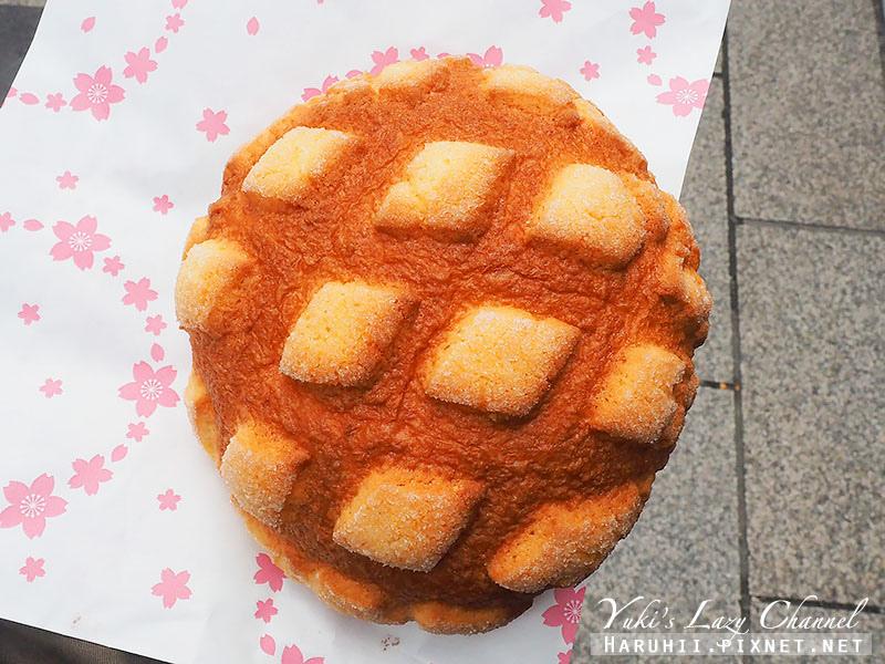 淺草花月堂菠蘿麵包3.jpg
