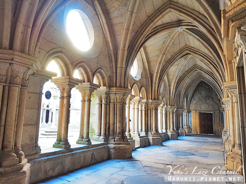 Porto Cathedral9.jpg