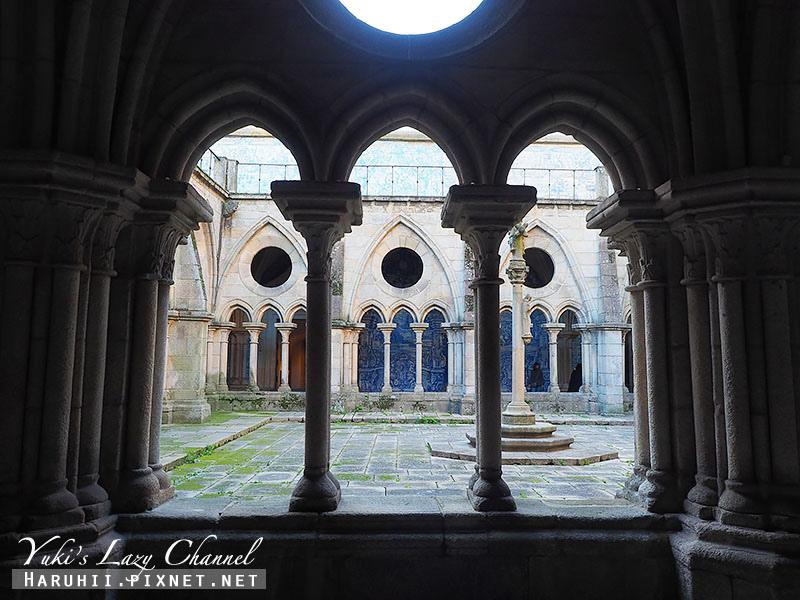 Porto Cathedral17.jpg