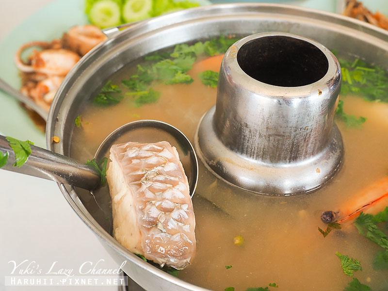 Ruean Wari夜功府水上餐廳2.jpg