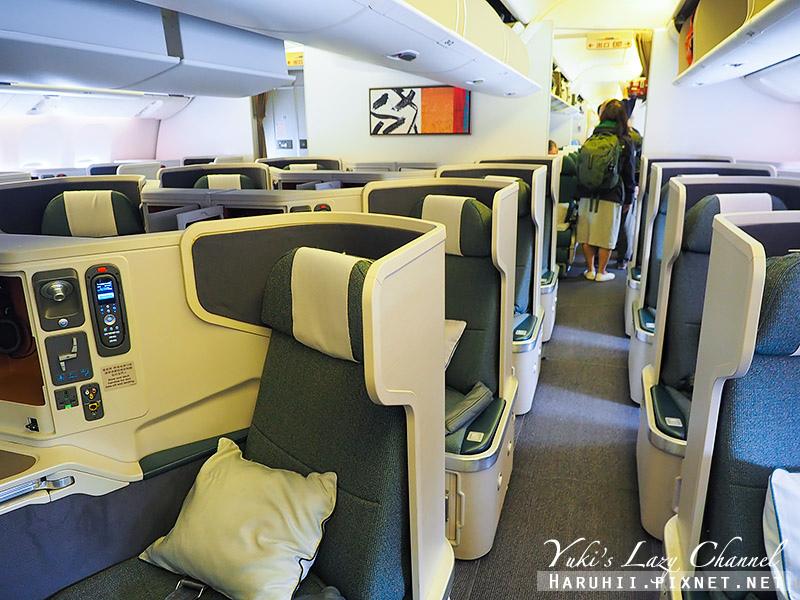 國泰B777-300ER香港蘇黎世2.jpg