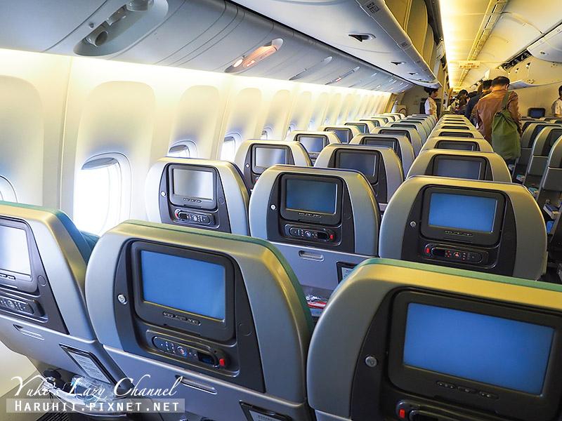 國泰航空台港線B777-300 6.jpg