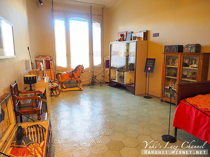 米拉之家 Casa Milà37.jpg