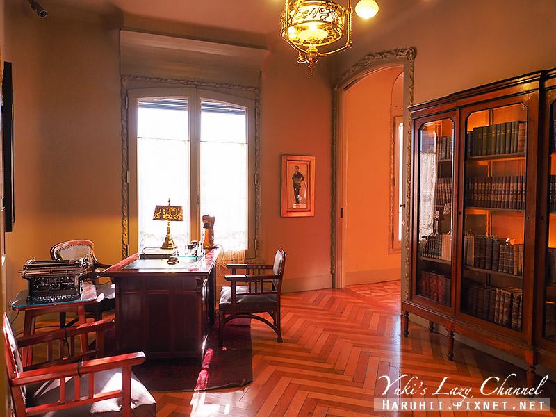 米拉之家 Casa Milà44.jpg