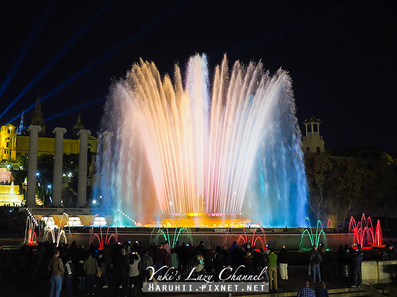 巴塞隆納魔幻噴泉Font Màgica15.jpg