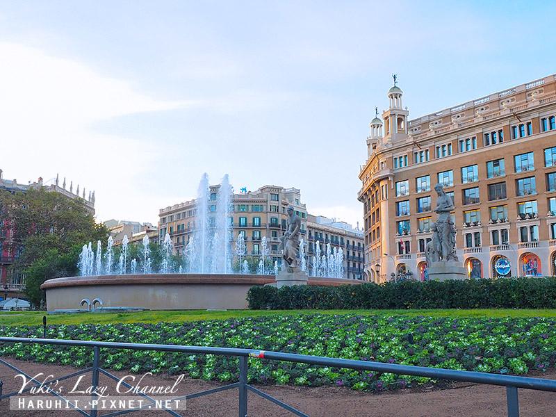 加泰隆尼亞廣場Plaça de Catalunya.jpg