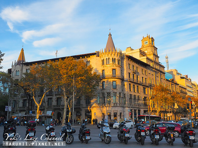 加泰隆尼亞廣場Plaça de Catalunya3.jpg