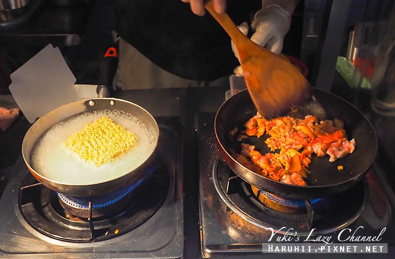 公館夜市美食韓式濃起司炒泡麵4.jpg