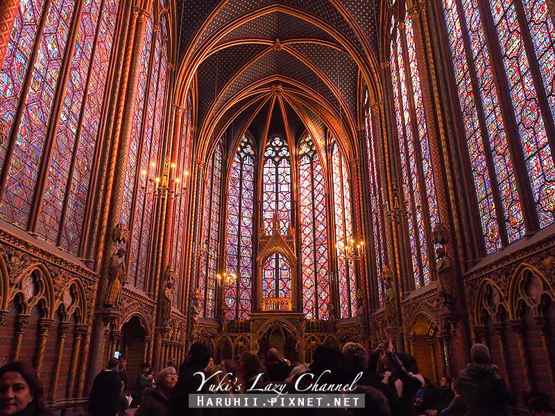 巴黎聖徒禮拜堂1.jpg