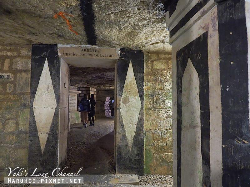 巴黎地下墓穴11.jpg