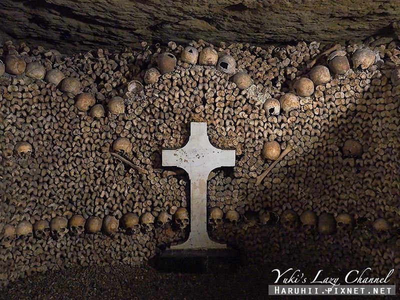 巴黎地下墓穴21.jpg