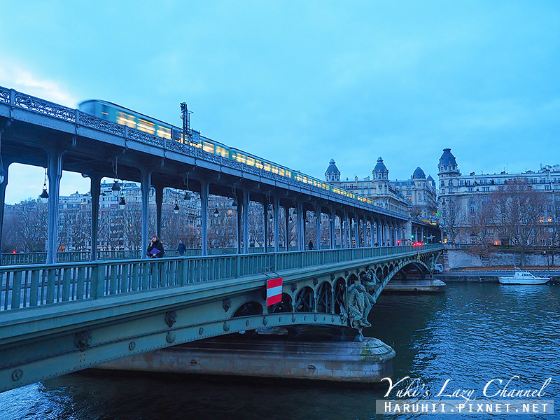 Pont de Bir-Hakeim2.jpg