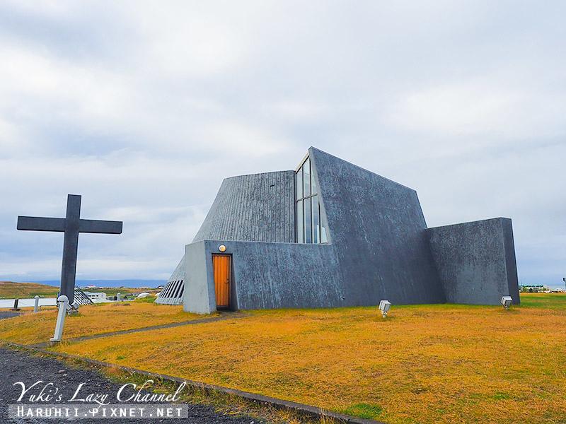 Blonduoskirkja  鯨魚教堂.jpg
