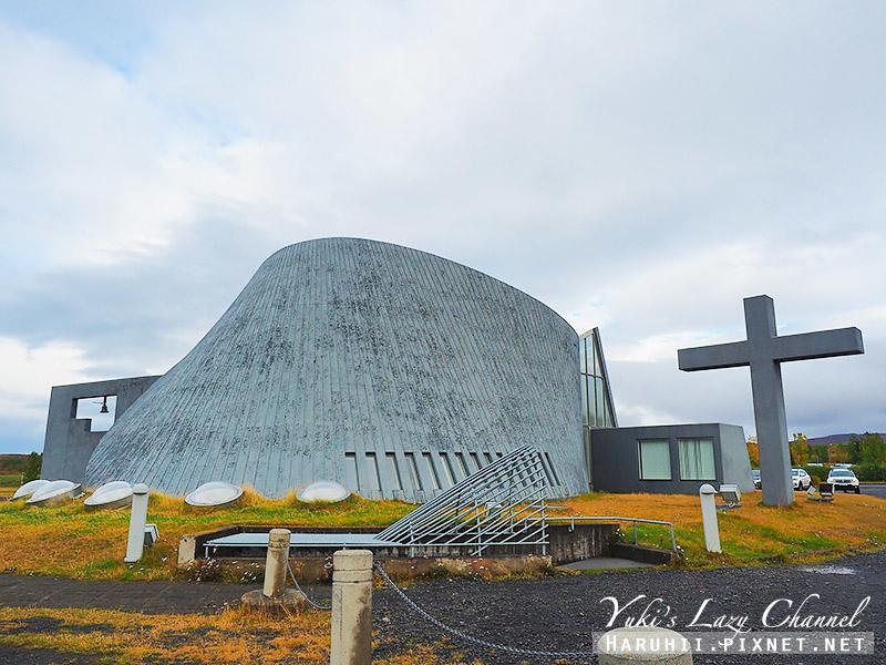 Blonduoskirkja  鯨魚教堂1.jpg