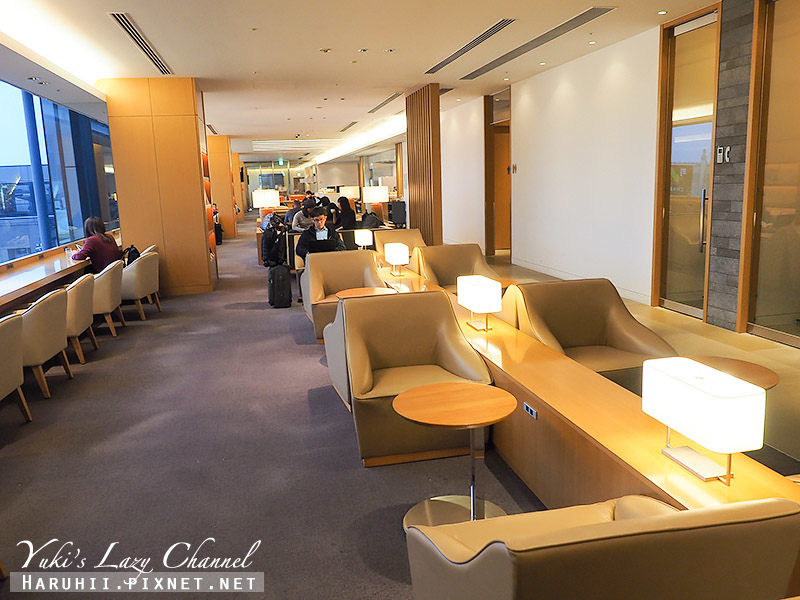 成田機場日航Sakura Lounge3.jpg