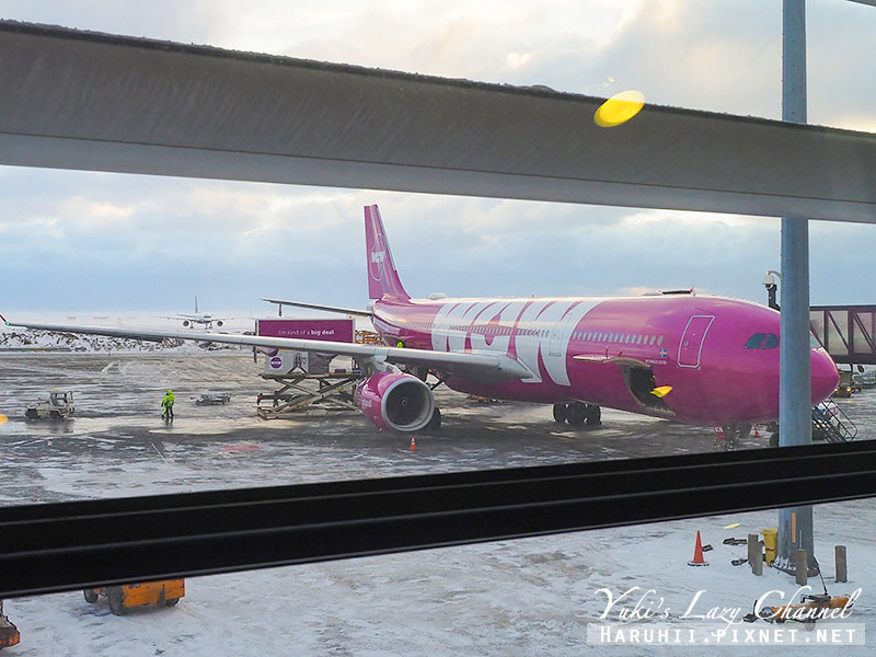 WOW Air WW405.jpg