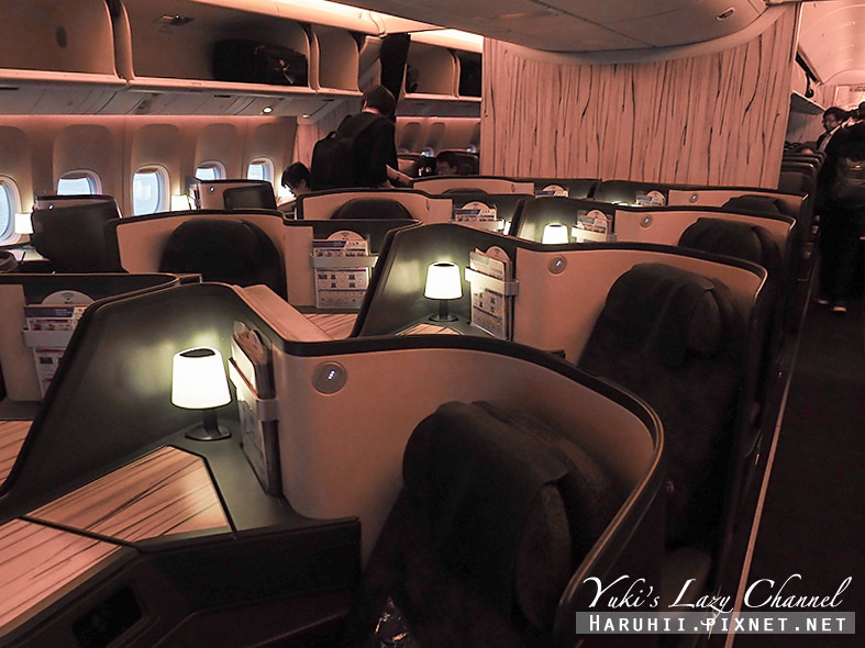 華航CI503台北上海1.jpg