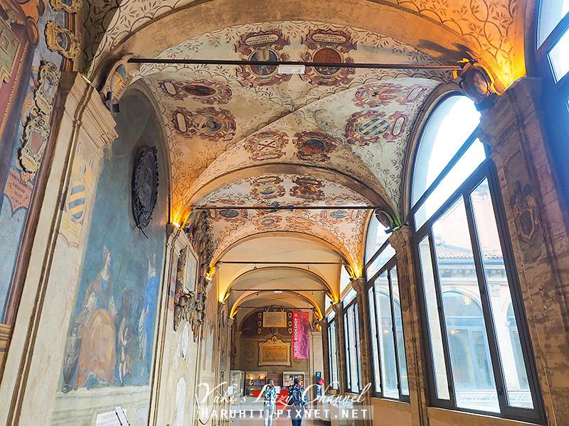 Bologna波隆那景點阿奇吉納西歐宮3.jpg