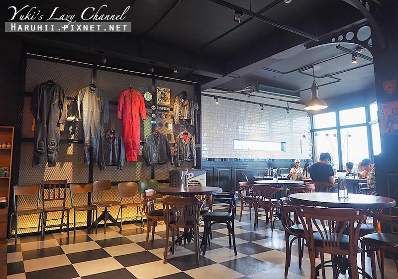 Ton Up Cafe12.jpg