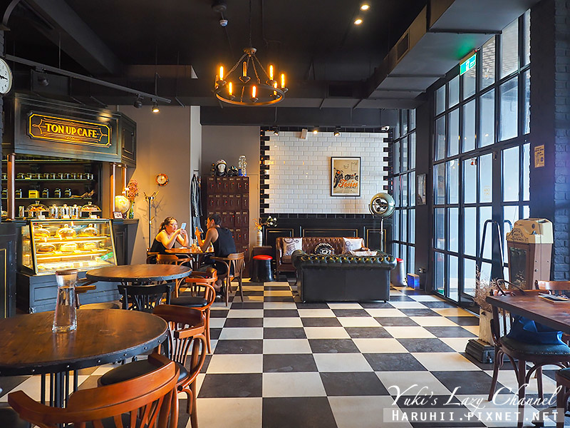 Ton Up Cafe13.jpg