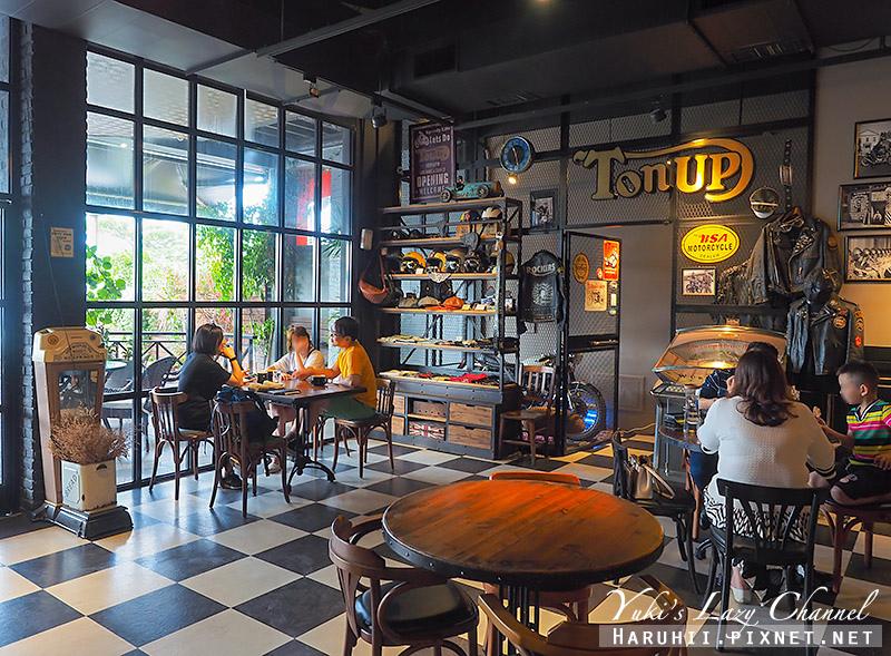 Ton Up Cafe16.jpg