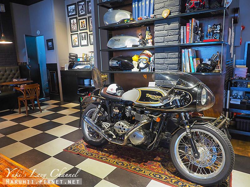 Ton Up Cafe17.jpg