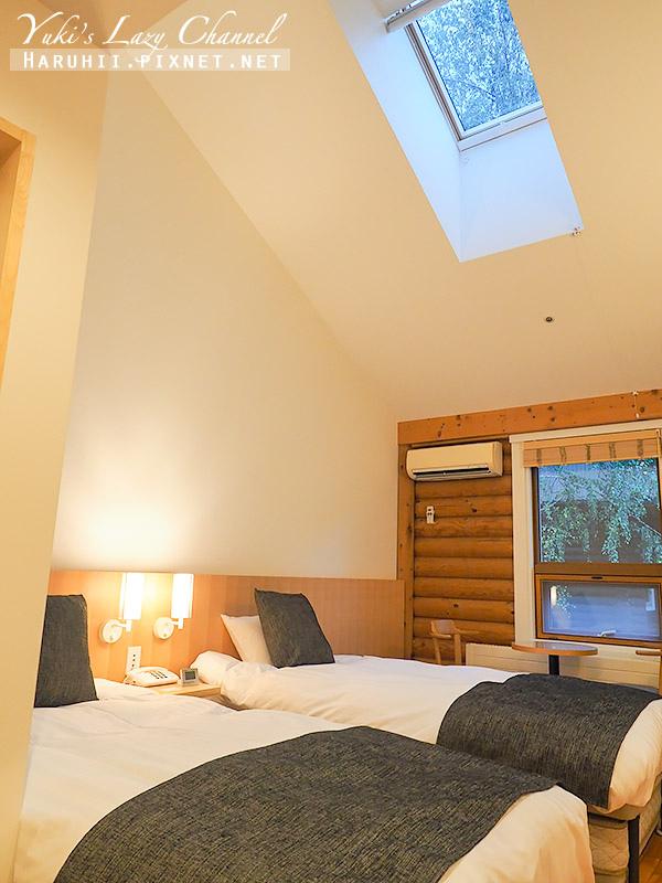 Log Hotel Maple Lodge6.jpg