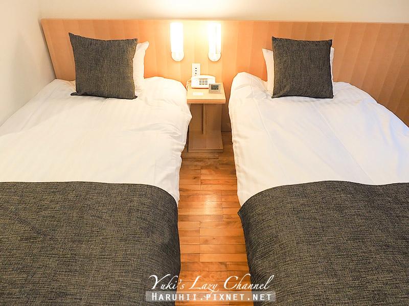 Log Hotel Maple Lodge8.jpg