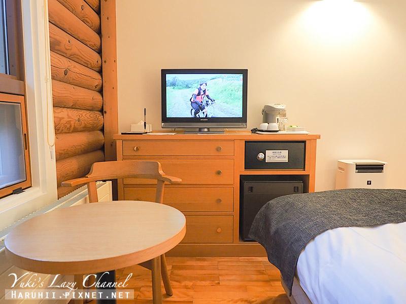 Log Hotel Maple Lodge9.jpg
