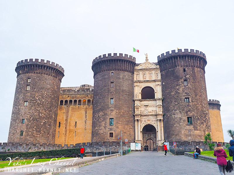 新堡 Castel Nuovo.jpg