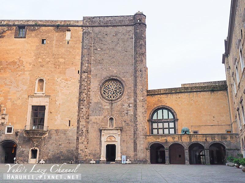 新堡 Castel Nuovo2.jpg