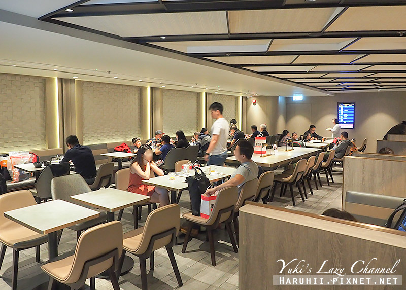 香港機場環亞貴賓室Plaza Premium Lounge5.jpg