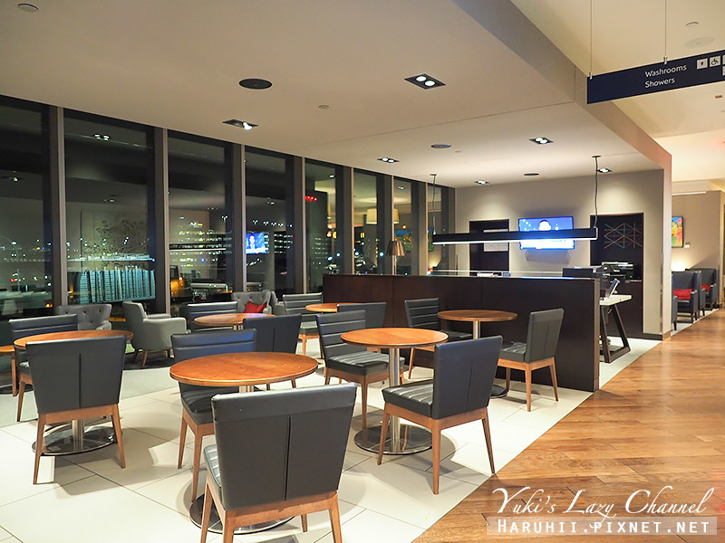 波士頓機場英航貴賓室British Airways Terraces Lounge7.jpg