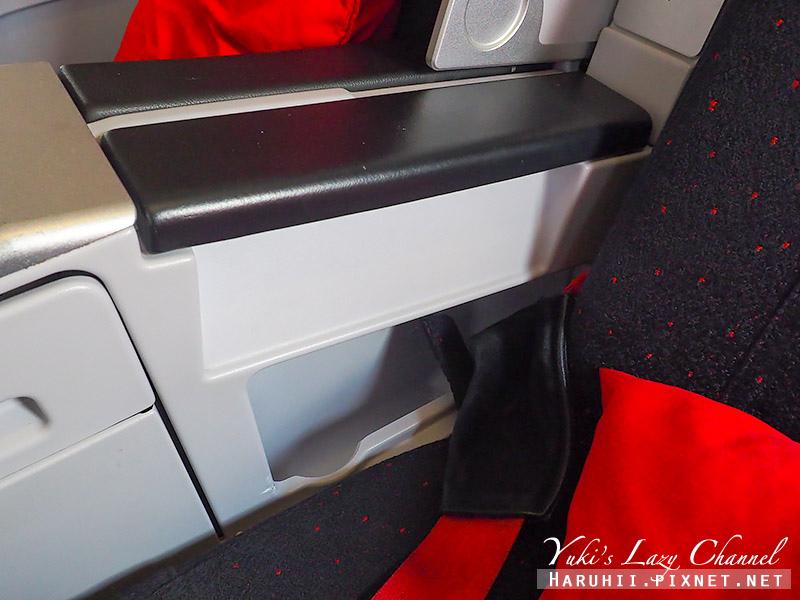 AirAsia亞航商務艙豪華平躺座椅11.jpg
