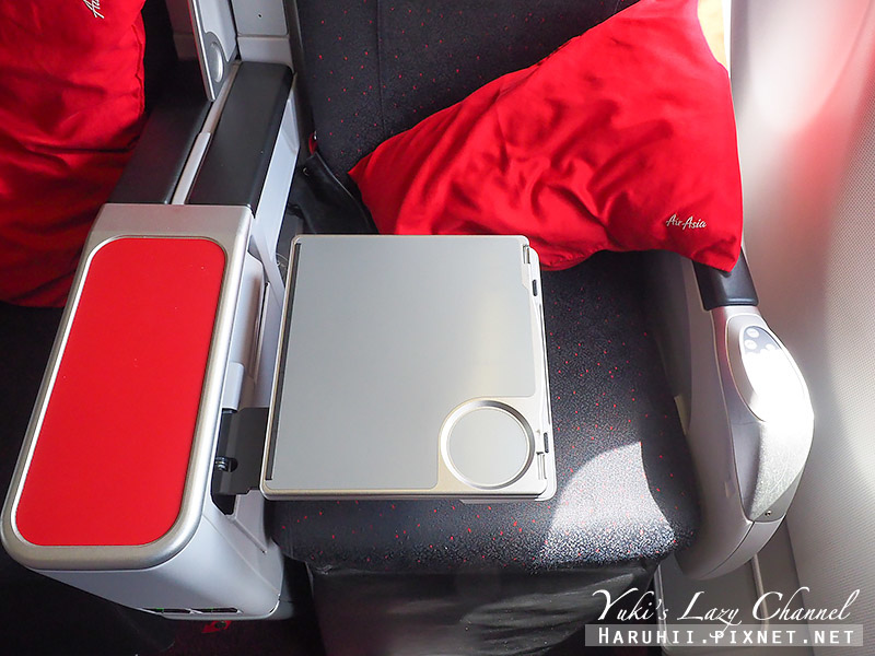 AirAsia亞航商務艙豪華平躺座椅12.jpg