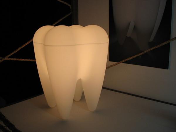 牙齒造型燈
