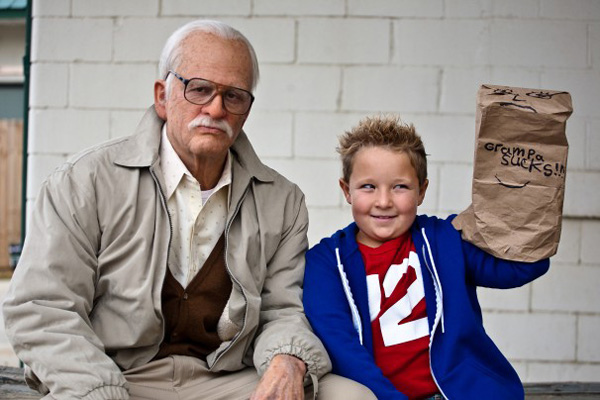 Jackass--bad-grandpa-02
