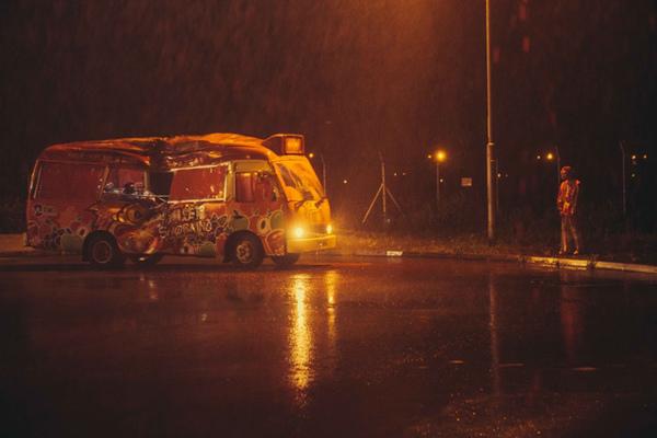 紅Van-03