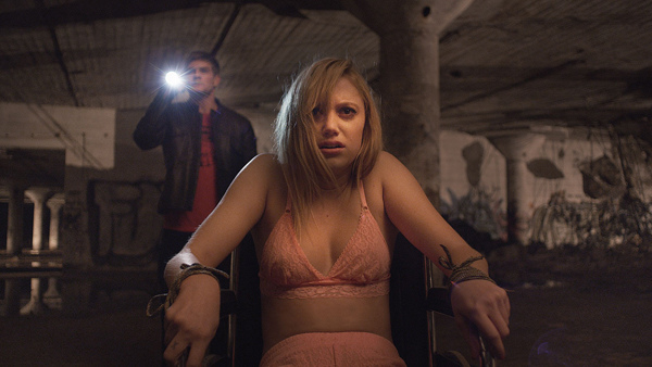 It-Follows-02