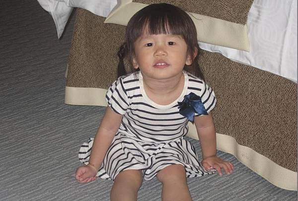 2011-06-21 小沛沛跟阿嬤來台北看弟弟.JPG