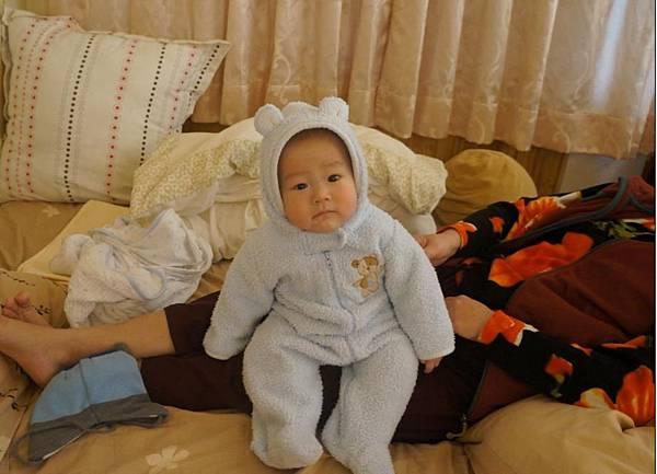 2011-12-17 新相機來了~我們弟弟真的很可愛2