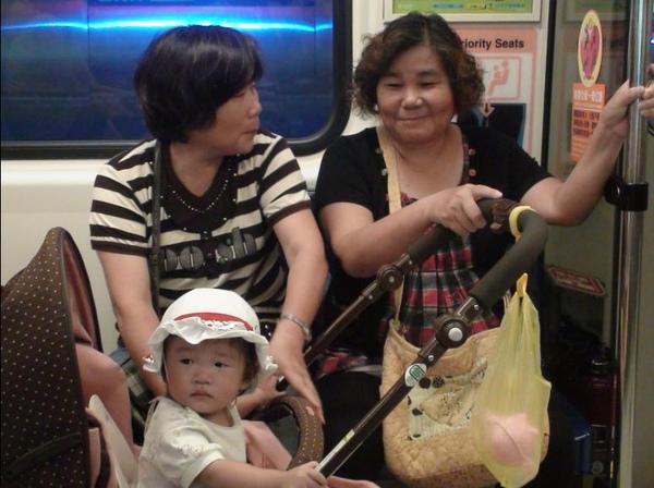 2010-08-22 小沛沛出發去動物園嚕.JPG