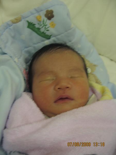 2009-08-07 寶貝睡午覺 (II).JPG