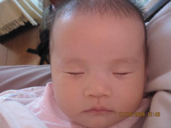 2009-10-18 小沛沛睡午覺嚕 IIII.JPG