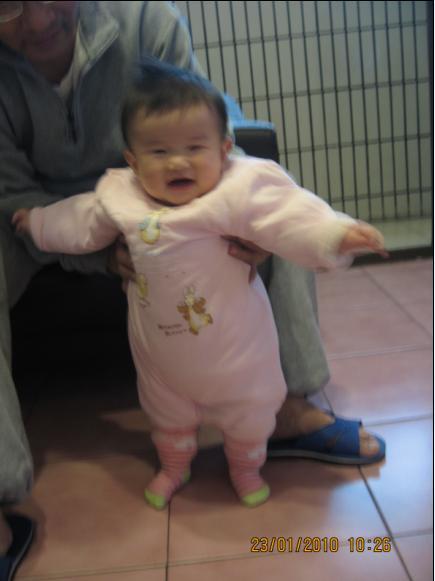 2010-01-23 我站起來了.JPG